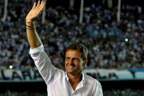 Con la marraqueta bajo el brazo: El refuerzo soñado de Colo Colo llegaría de la mano de Diego Cocca
