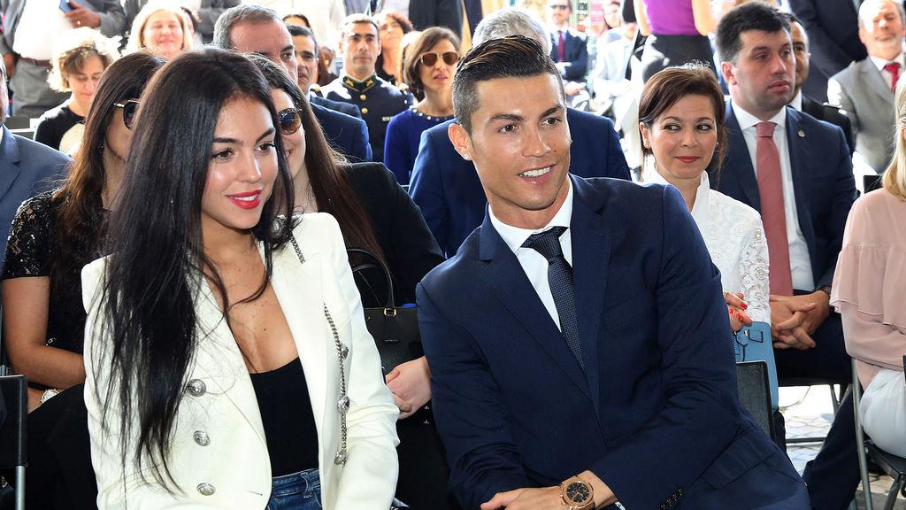 El que puede, puede: Cristiano Ronaldo y su pareja más de 23 millones de pesos en solo 15 minutos