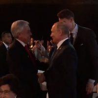 [VIDEO] El amistoso saludo entre Sebastián Piñera y Vladimir Putin en la Cumbre Asean