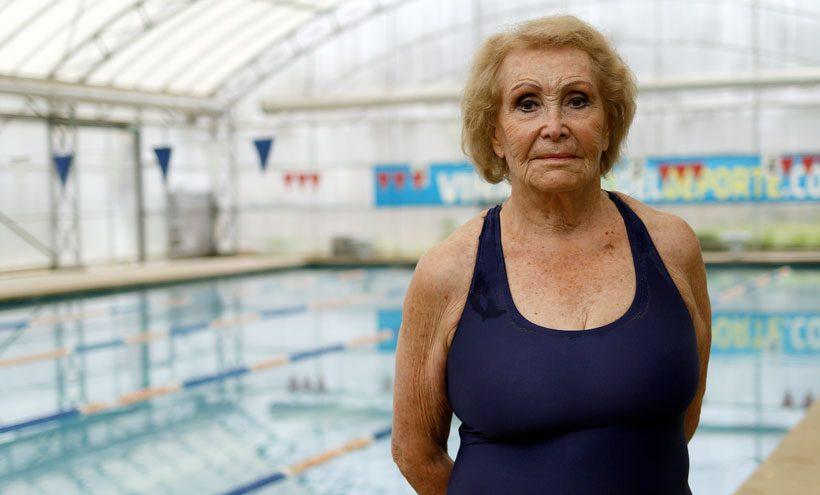 [VIDEO] ¡Proeza! La chilena Eliana Busch de 84 años se colgó la medalla de oro